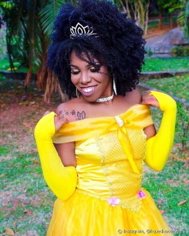 O terceiro look escolhido pela Luany Cristina, do blog Diva do Black, foi a princesa Bela, do filme 'A Bela e a Fera'