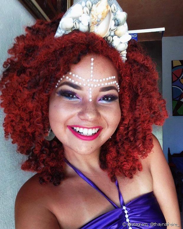Nossa leitora Thayná Freire aderiu à tendência e se vestiu de sereia. Ela se inspirou na personagem da Disney Ariel!