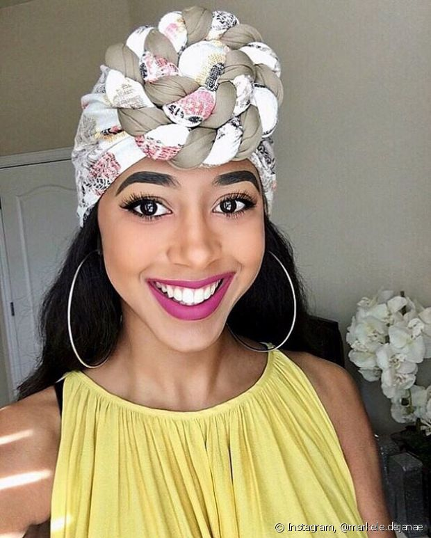 Use diferentes amarrações de turbante, para variar o look do dia