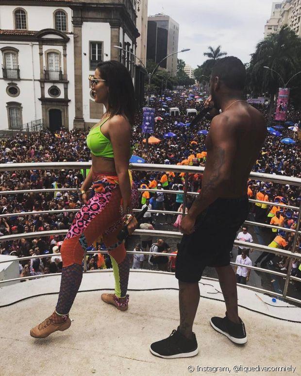 Anitta canta com Nego do Borel no Bloco das Poderosas