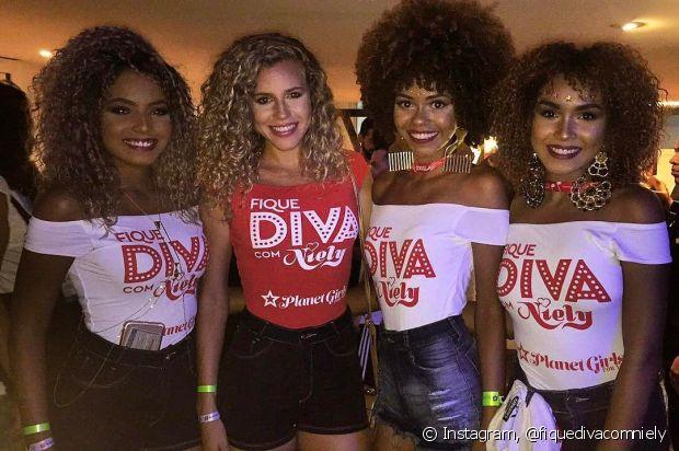 As meninas ficaram mais divas com o abadá personalizado no Carnaval de Salvador