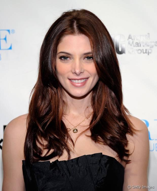 Ashley Greene investiu em um corte com degradê frontal, perfeito criar uma moldura mais leve ao redor do rosto