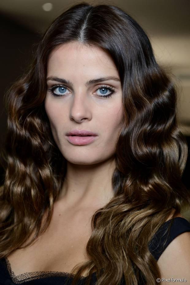 A cauterização capilar é indicada para os cabelos danificados