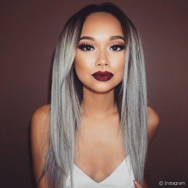 Granny hair (cabelo cinza) é tendência! Tem coragem de apostar na nuance exótica?