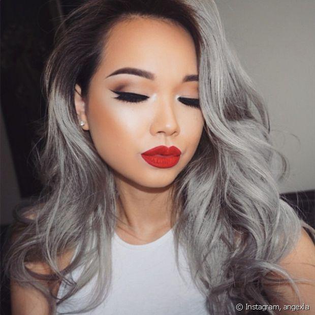 Granny hair (cabelo cinza) é tendência entre as blogueiras internacionais!