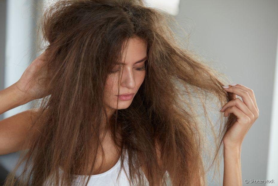 O uso em excesso da queratina líquida pode deixar o cabelo rígido e sem vida