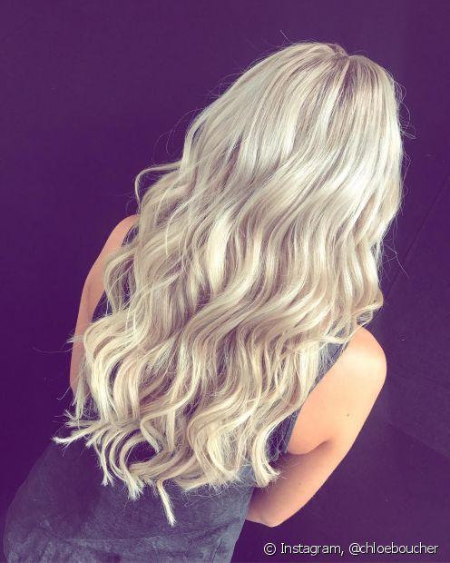 Você pode tratar do seu cabelo descolorido, mas é normal que a área fique mais ressecada que as demais
