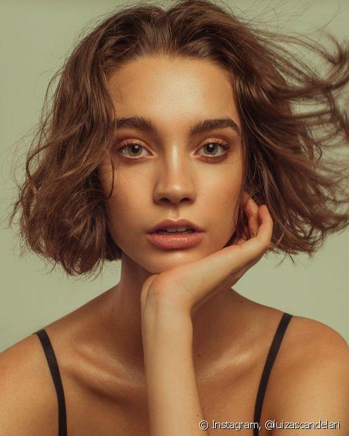 Os cortes mais curtos valorizam demais os cabelos ondulados! Os cortes pixie, bob hair, long bob e shag hair são ótimas opções
