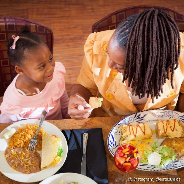 Você também pode cozinhar para sua mãe e economizar no presente para o dia dela