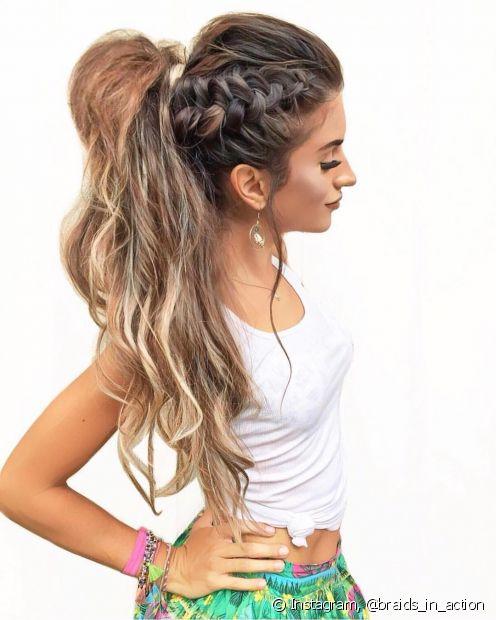 Na hora de escolher os penteados para escola, a dica é apostar nos estilos mais simples e encrementá-los com acessórios e outras tendências capilares