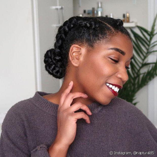 Os penteados com tranças nunca saem de moda e combinam com todos os estilos (Foto: Instagram, @naptural85)