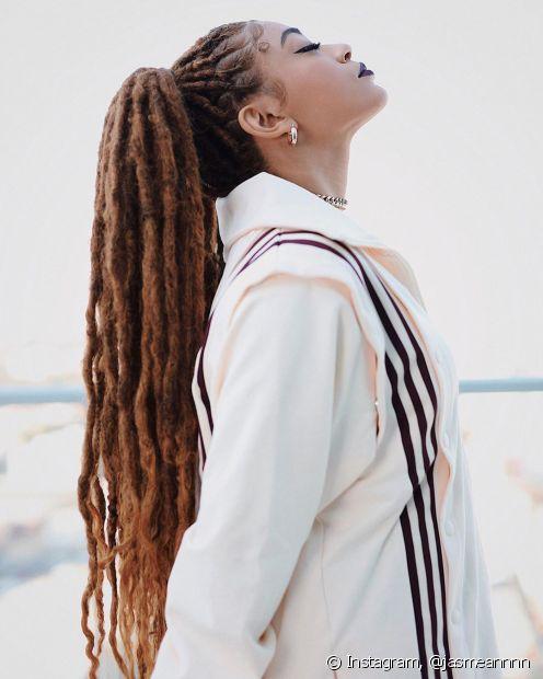 Os dreadlocks sintéticos são uma forma de variar o estilo das box braids (Foto: Instagram @jasmeannnn)