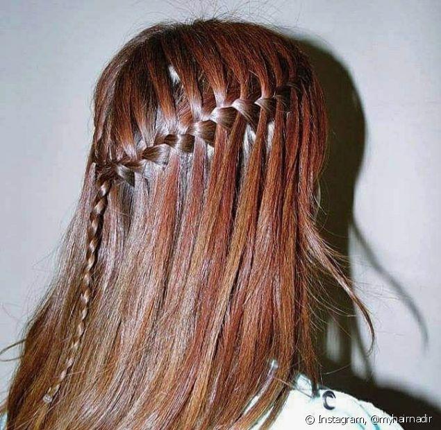 A trança cascata é um penteado que traz um ar mais elaborado ao visual e ainda é super simples de fazer