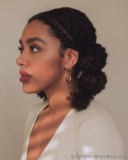 Você também pode criar uma trança embutida na parte da frente para disfarçar o bad hair day nos cacheados e crespos (Foto: Instagram @naturalhairloving)