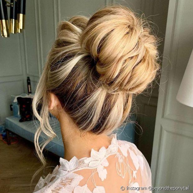 A raiz desfiada é uma ótima solução para quem quer um penteado volumoso (Foto: Instagram @beyondtheponytail)