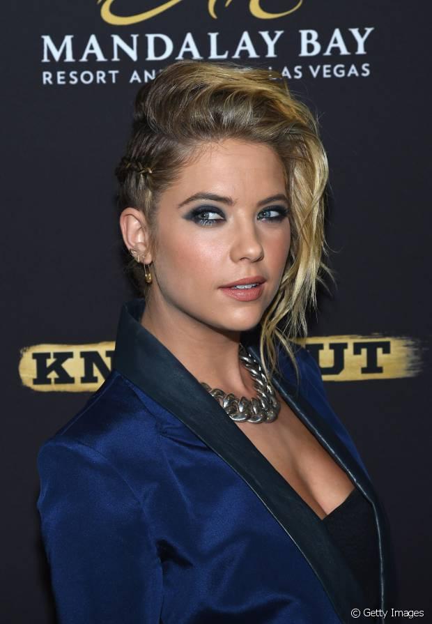 Ashley Benson é a prova de que quem tem cabelos curtos também pode apostar nesse look incrível