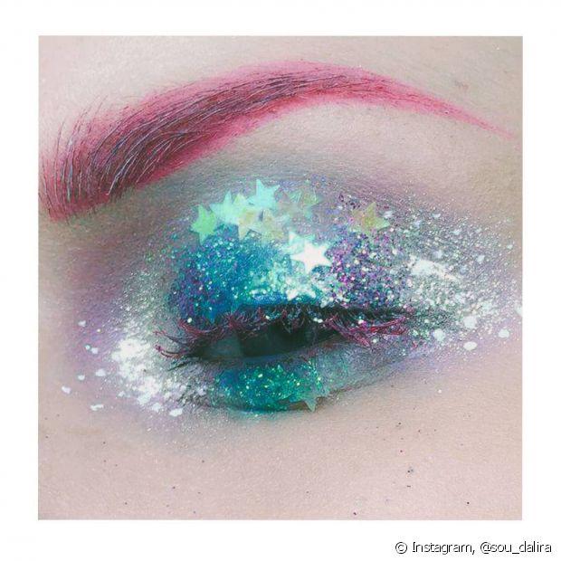 Os tons azulados com rosa são ótimos para quem ama uma fantasia de sereia no Carnaval