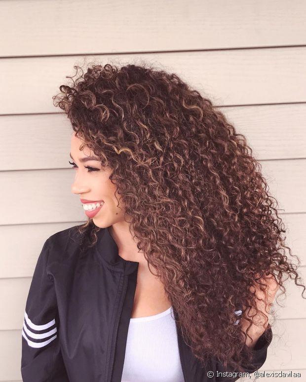 A frequência ideal para lavar os cabelos oleosos é dia sim, dia não