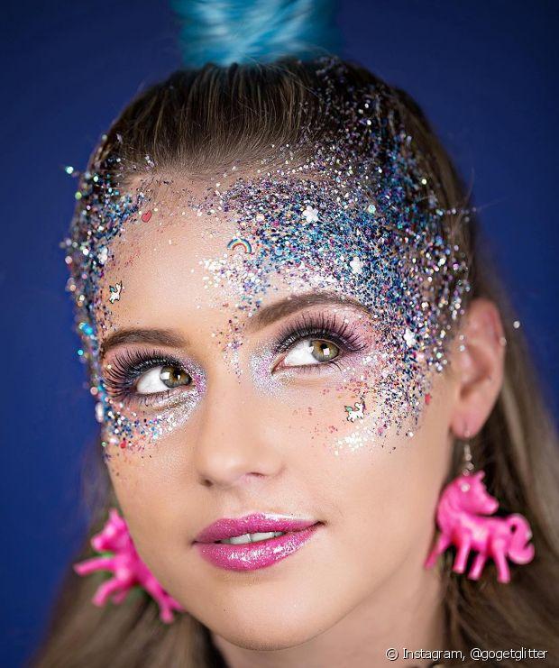 Carnaval é para brilhar mesmo. Se joga no glitter!