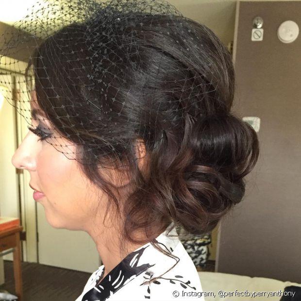 O estilo e a cor do voilette varia de acordo com a preferência da noiva