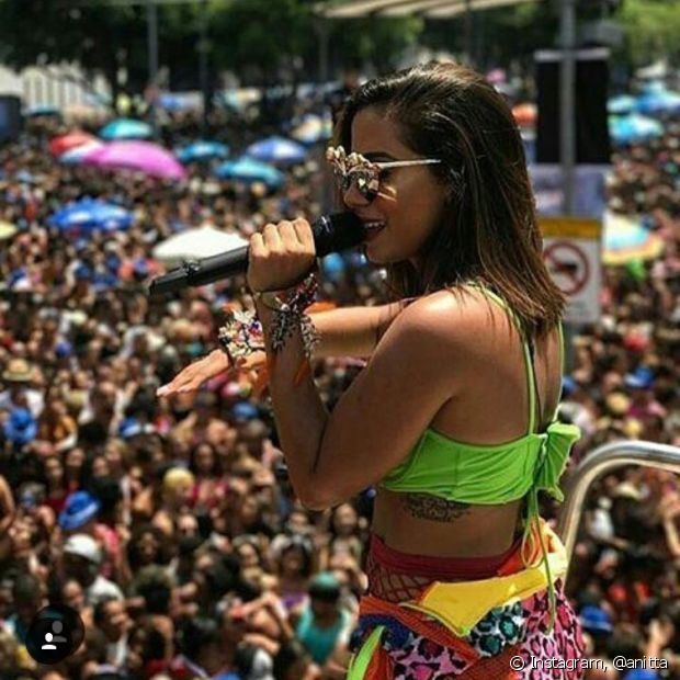 Pelo segundo ano consecutivo, Anitta levou o Bloco das Poderosas para o Rio de Janeiro. Em Salvador, seu trio saiu pela primeira vez em 2017