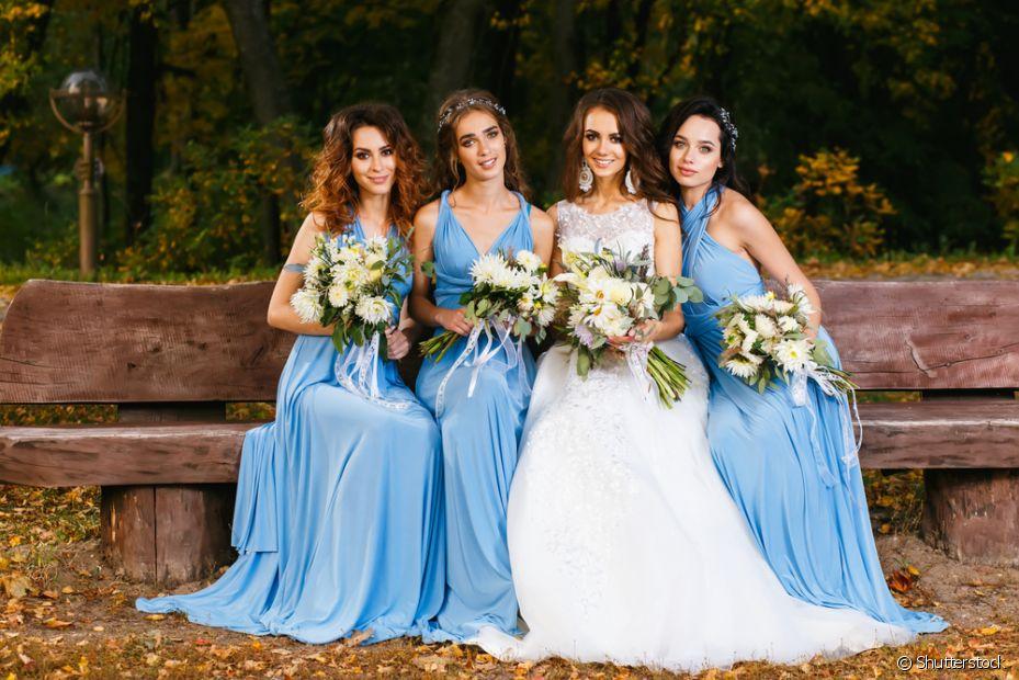 Escolher a cor do vestido das madrinhas é sempre um dilema, já que nem todas seguem com o combinado