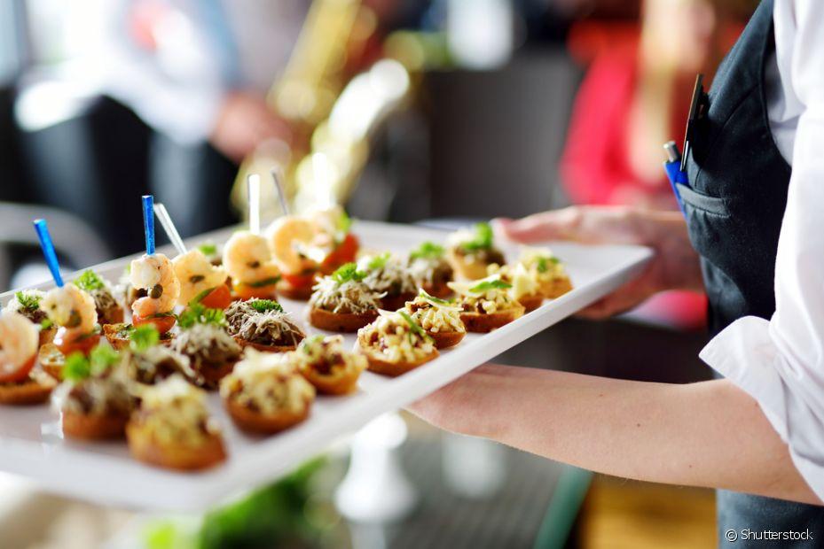 Já que, no dia do casamentos, os noivos comem pouco, o bom é aproveitar o dia da degustação