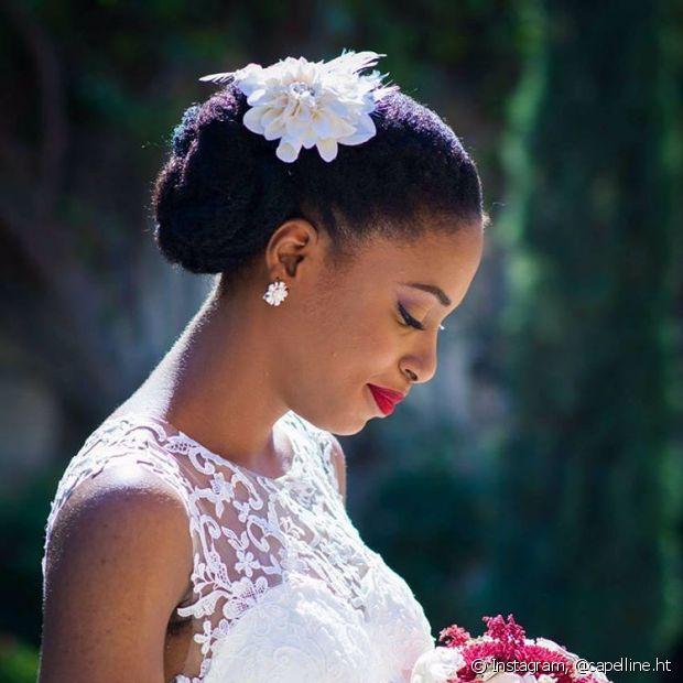 O coque é o estilo de penteado preferido das noivas