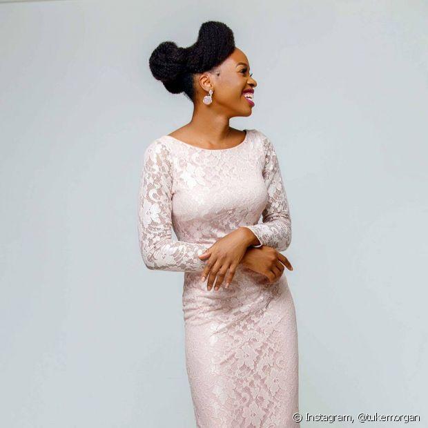 Se você for uma noiva que escolheu um vestido mais simples, seu penteado pode ser mais imponente!