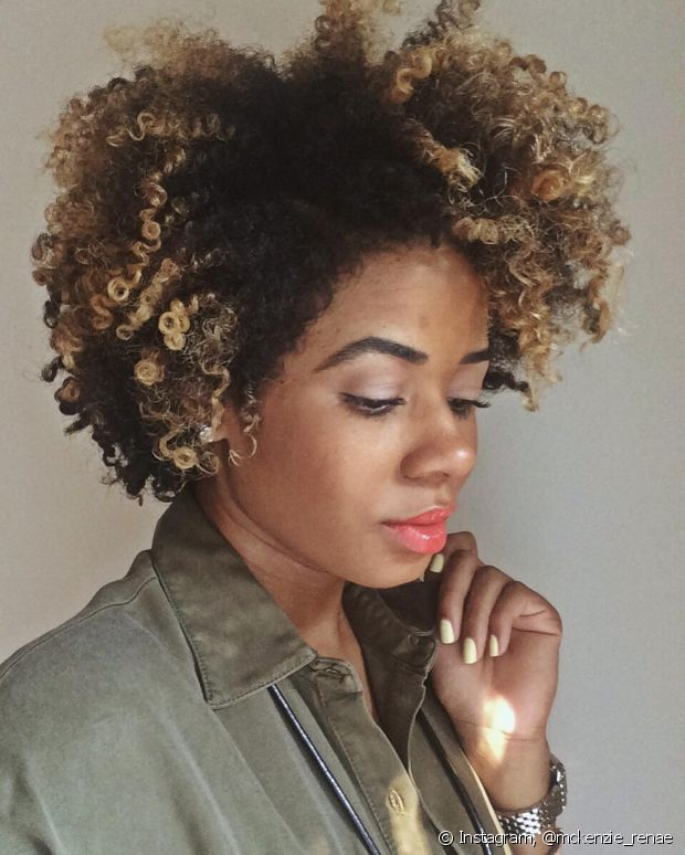 A glicerina reduz o frizz dos cabelos, mas tem que ser usada com uma touca