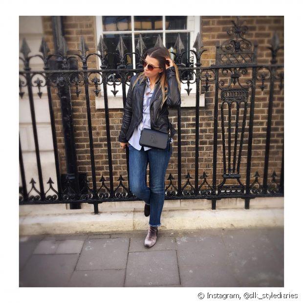 Misturar a bota de veludo com jaqueta de couro deixa seu look supermoderno