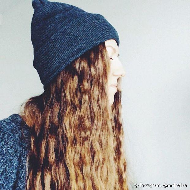 Dormir de tranças no cabelo cria o perfeito cabelo de praia o ano inteiro