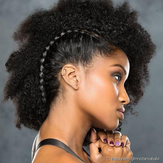 Existem várias opções de penteados para os cabelos curtos