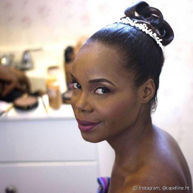 O batom beterraba é uma ótima escolha para as noivas negras em seu grande dia