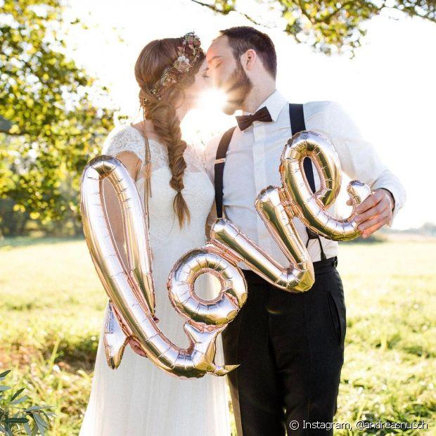 Não descarte as tranças do visual do dia do seu casamento. Os estilos embutidos ou mais elaborados são ótimos para a ocasião