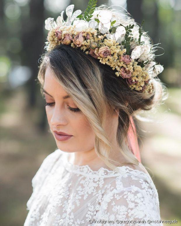 Escolha o seu estilo favorito de coque e arrase muito no dia do seu casamento, noiva!