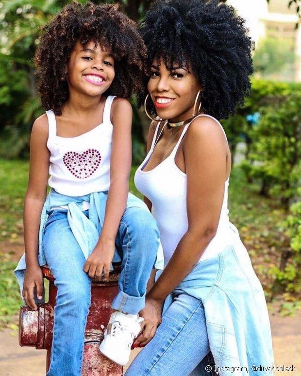Luany Cristina, do blog Diva do Black, sempre incentivou a pequena Ana Beatriz a gostar do seu black power