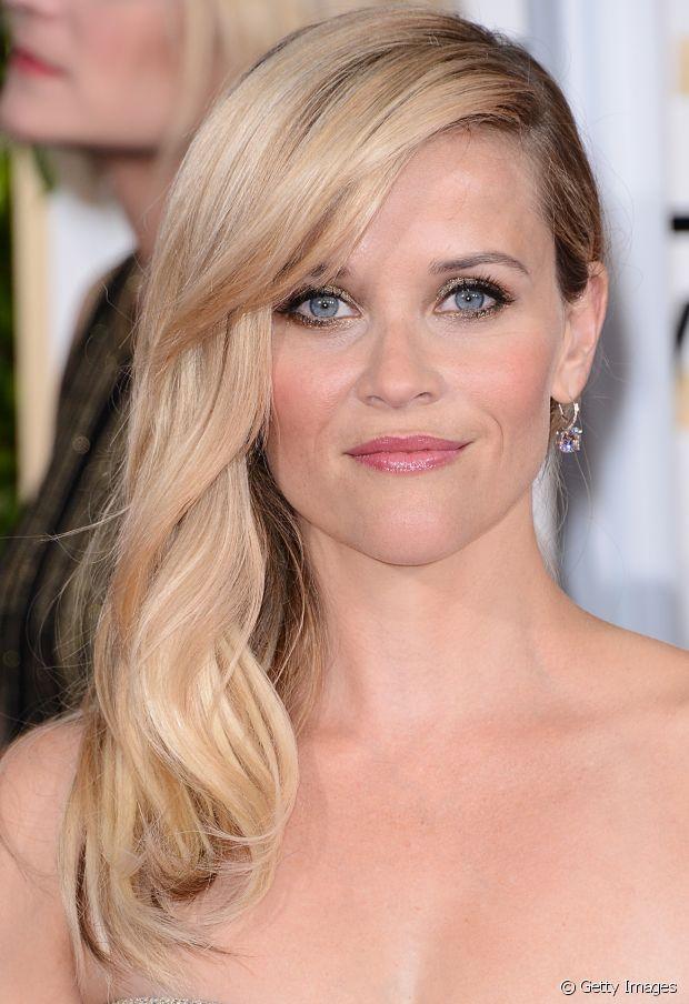 Quem tem a pele branquinha como a de Reese Witherspoon pode apostar em loiros quentes ou frios